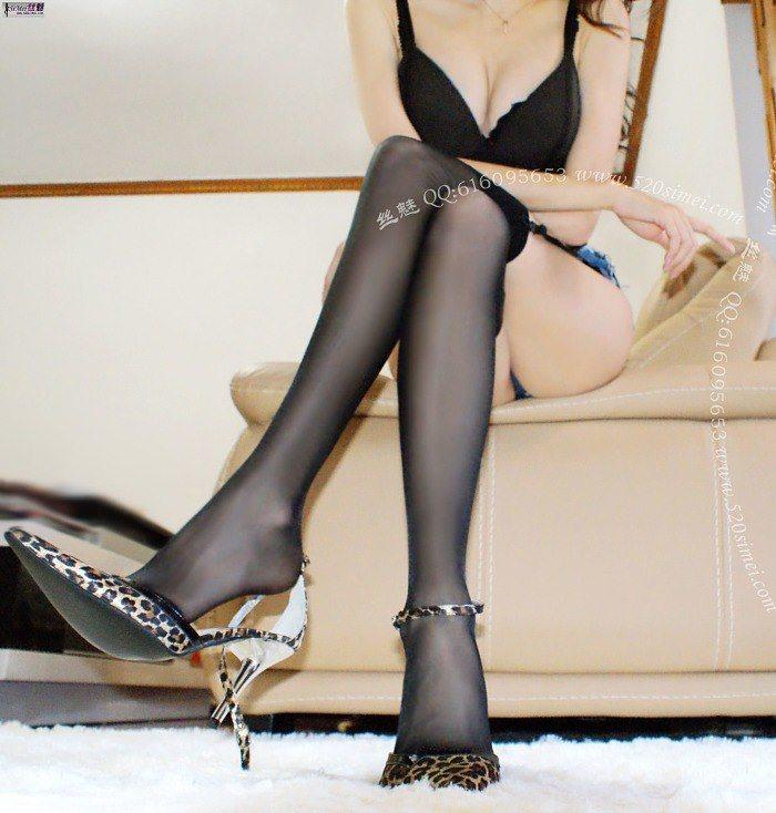 [丝魅]VIP套图2012年3月4期 超短热裤美臀3~性感吊带黑丝[9P/1.87M]